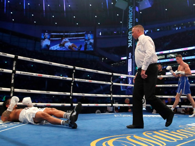 Lenin Castillo rushed to hospital after Callum Smith knockout