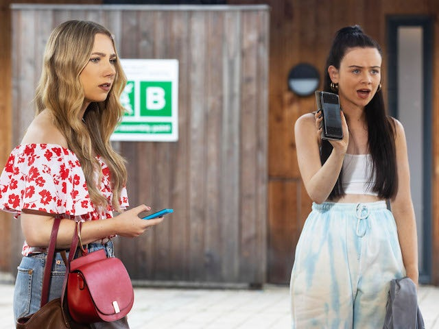 Peri and Juliet on Hollyoaks on September 27, 2021