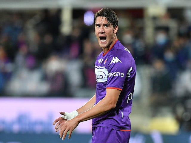 PSG join race to sign Fiorentina's Dusan Vlahovic?