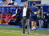 Alaves coach Javier Calleja reacts on September 25, 2021