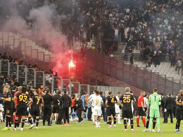 The match between Marseille and Galatasaray is stopped as Galatasaray fans clash with police on September 30, 2021