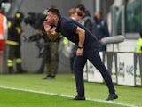 Sampdoria coach Roberto D'Aversa gives instructions to his players on September 26, 2021