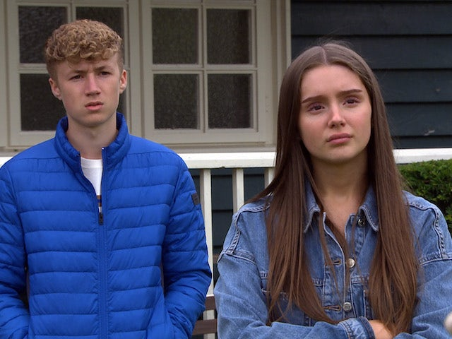 Noah and Sarah on Emmerdale on September 27, 2021