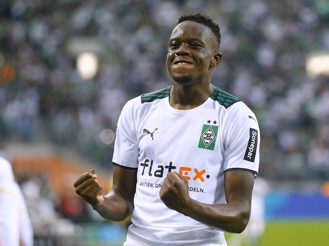 Barcelona 'weighing up move for Denis Zakaria'