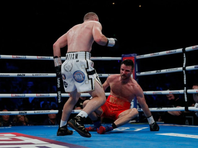 Smith drops Fowler twice on way to stoppage win