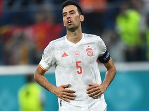 Barca to sell Busquets to make room for Kessie?