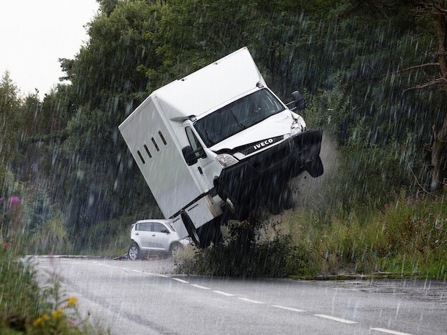 Crash on the first episode of Coronation Street on October 18, 2021
