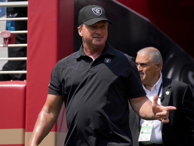 Jon Gruden resigns as Raiders head coach amid offensive email allegations