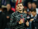 Mauro Icardi warms up for Paris Saint-Germain in October 2021